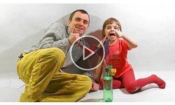 Як тато Євген складав пташку-технооригамі для донечки